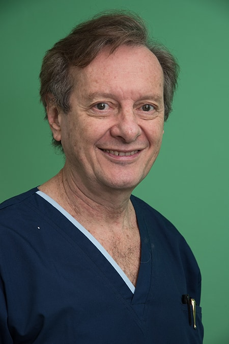 Buenos Aires Cosmetic Dentist Dr. Samuel Pelcman